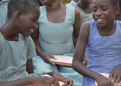GHANA: interaction avec les Saintes Écritures pour personnes atteintes de troubles visuels