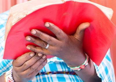 KENYA: des Bibles pour des enfants malvoyants