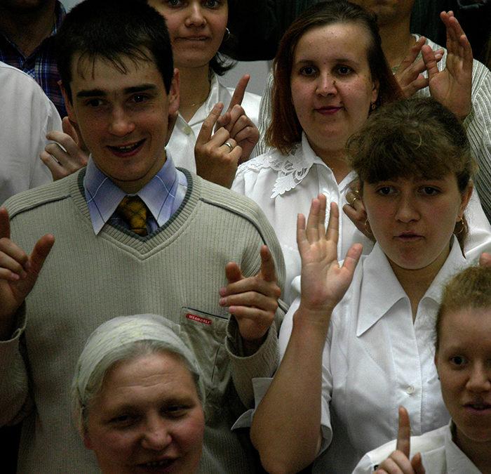 RUSSIE : Nouveau Testament visuel pour les personnes sourdes